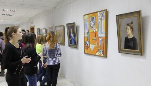 Арт-галерея в Зеленодольской библиотеке прекратила свое существование