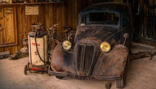 Владельцев пылящихся в гаражах авто предложили наказать рублем