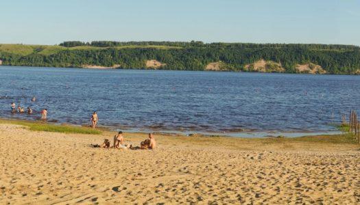 На пляже появится фуд-корт, спортплощадки и деревянный настил